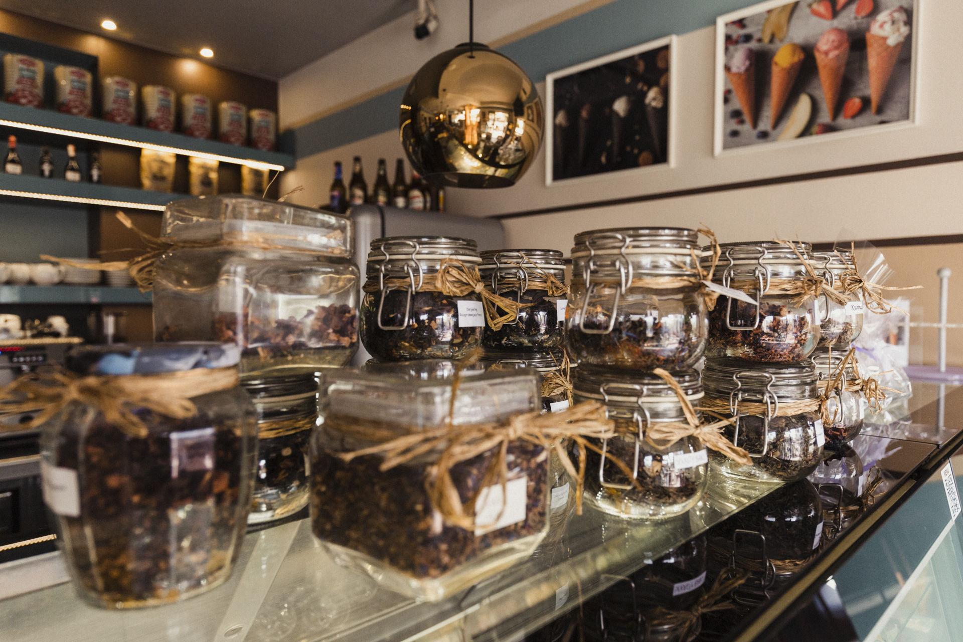 Witaj w kawiarni Ptyś Cafe.